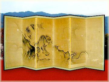 京都表具協同組合は、襖や障子・額装・軸装などを扱う職人が加盟する組合です